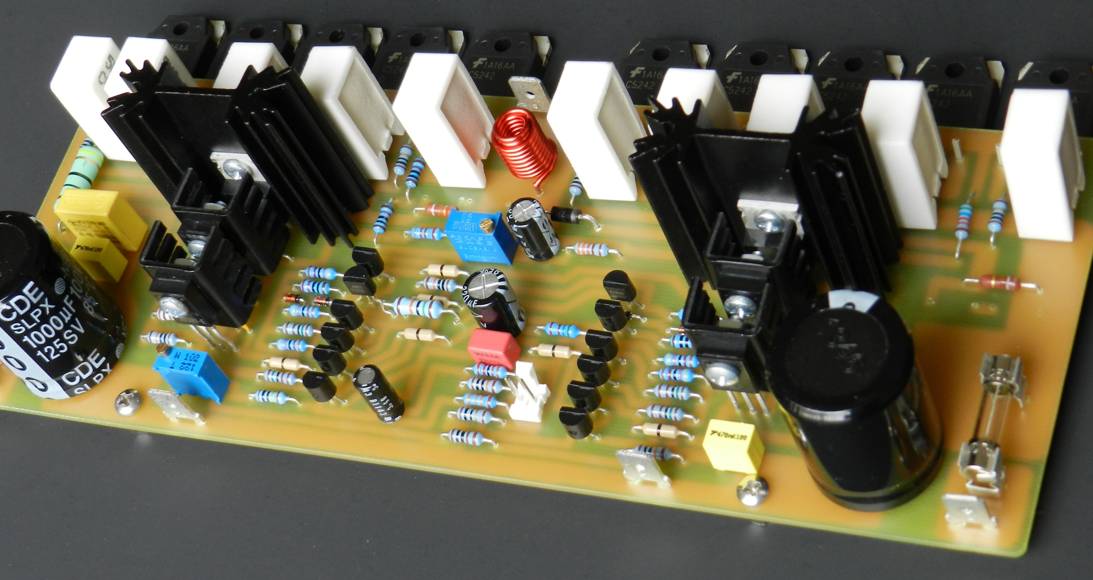 Using Only Four Transistors In The Quasicomplementary Amplifier Wwwseekiccom Circuitdiagram Basiccircuit Analogcircuit Pushpull Project 58 Is Quasi Complementary Version Of 44 Features A Cascoded Differential Input Stage As Well Voltage